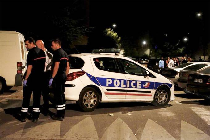 Tiroteio em França faz vários feridos