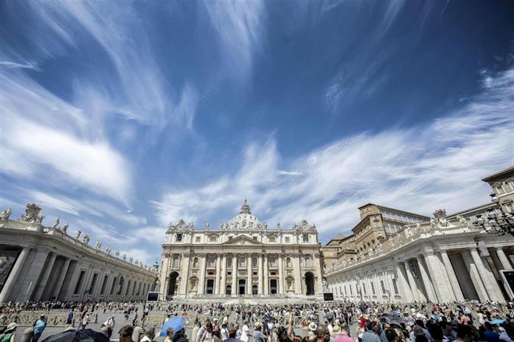 Polícia interrompe orgia gay no Vaticano