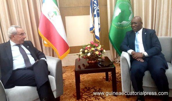 Ministro das Relações Exteriores e Cooperação da Guiné Equatorial, Simeón Oyono Esono, com o Secretário Executivo da CPLP, Francisco Ribeiro Telles