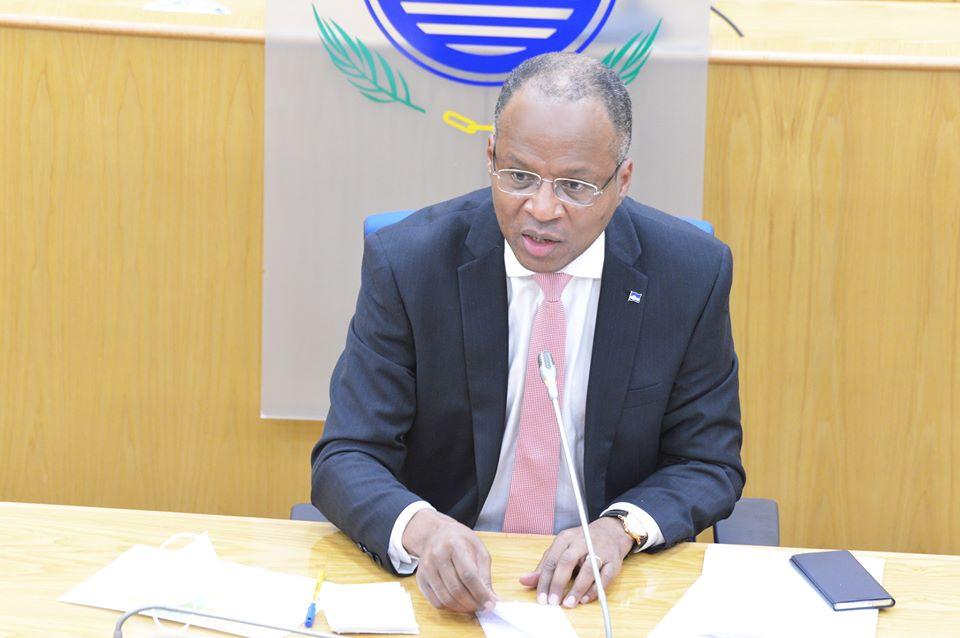 Cabo Verde: PAICV queixa-se de custos do novo Governo e Correia e Silva responde