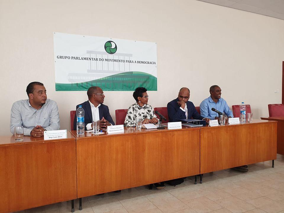 Membros do partido cabo-verdiano MpD