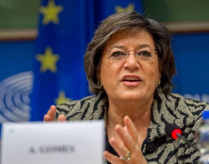 Ana Gomes é membro do PS