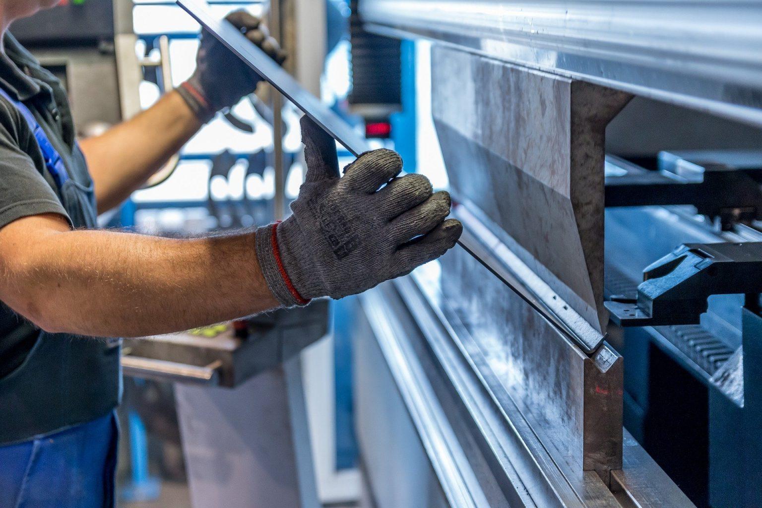Angola:  Primeira fábrica de galvanização à espera de alvará comercial para começar a operar
