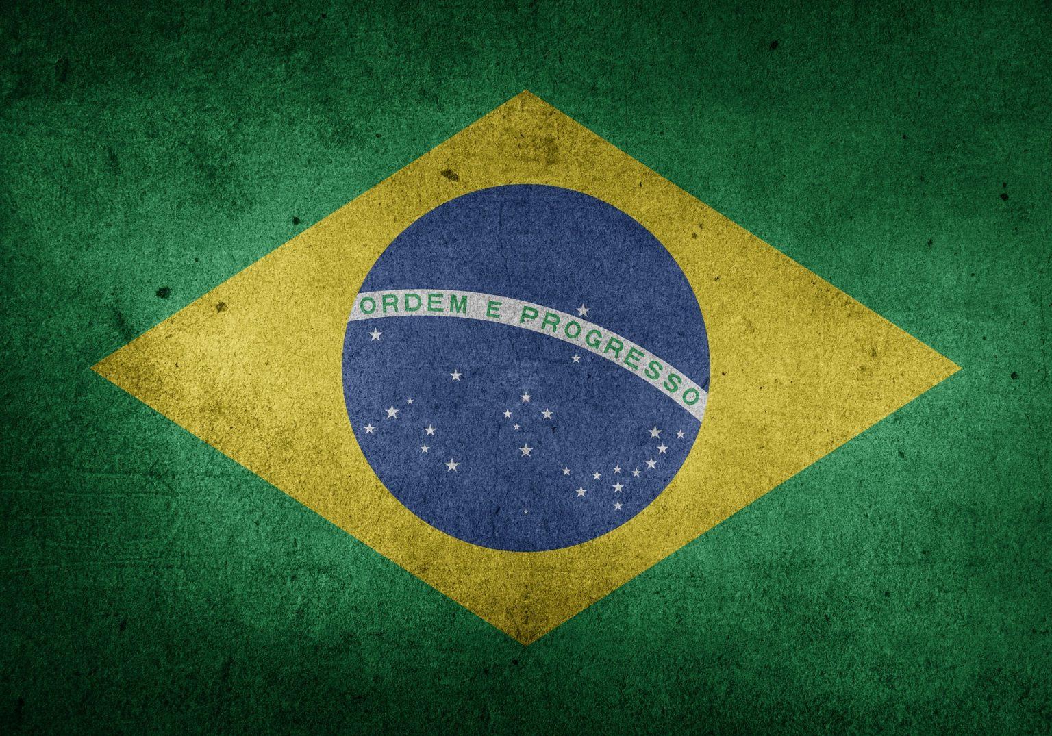 """Brasil: Mundo não tolera """"morte prematura"""" da democracia brasileira, diz rival de Bolsonaro"""