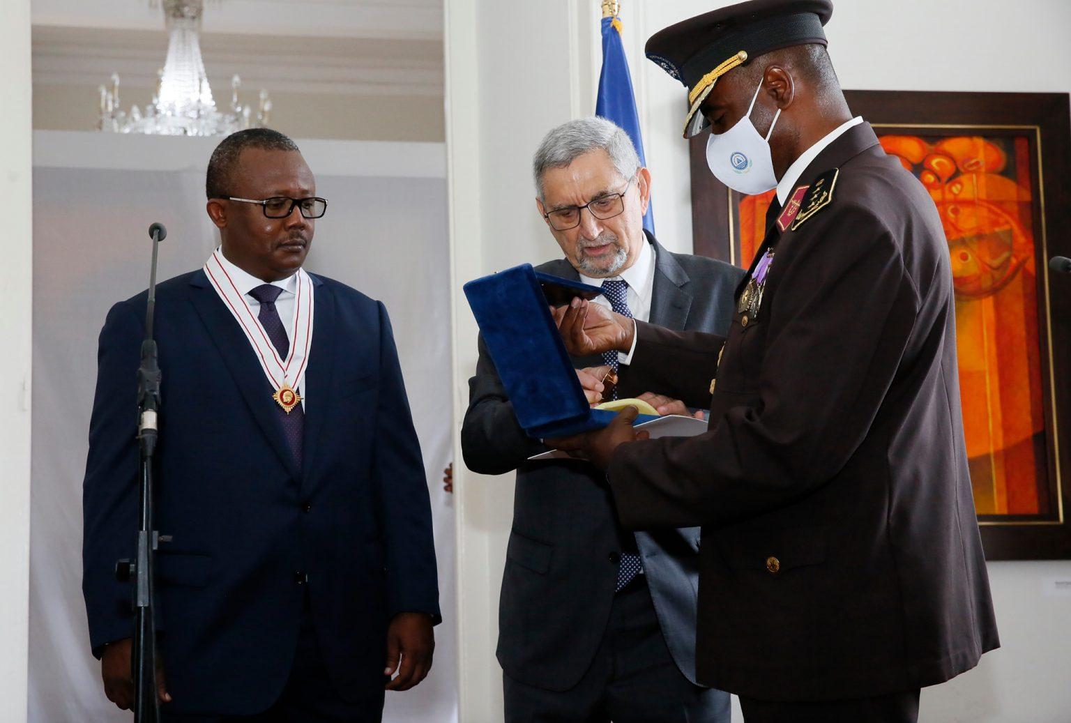 Cabo Verde atribuiu a mais alta distinção ao Presidente da Guiné-Bissau