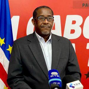 Cabo Verde: Governo acusado de violar Código Eleitoral a favor de Carlos Veiga