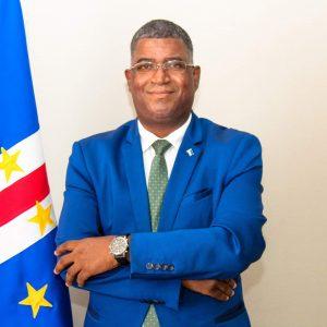 """Cabo Verde: Hélio Sanches diz ser o """"político da nova normalidade"""""""