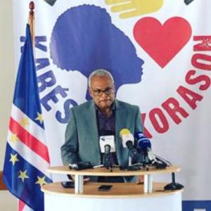 """Cabo Verde: Neves liga Veiga a """"movimentos extremistas"""""""