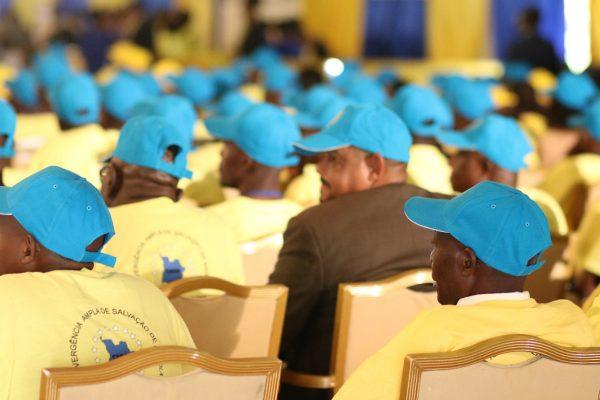 Membros da coligação angolana CASA-CE