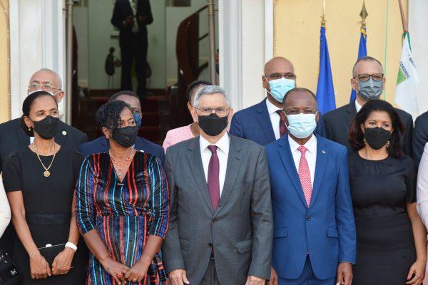 Presidente de Cabo Verde, Jorge Carlos Fonseca, com membros do novo Governo