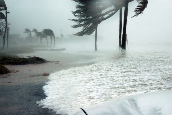 furacão; tempestade