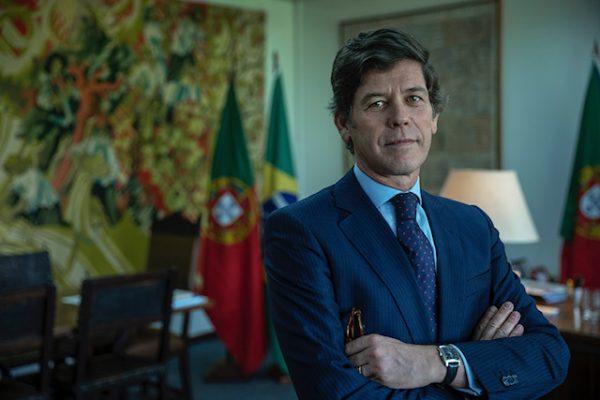 Brasilia-DF , 03/05/2018 , Embaixador de Portugal , Jorge Cabral , em sua sala na Embaixada de Portugal em Brasilia-DF . Foto: Fabiano Accorsi
