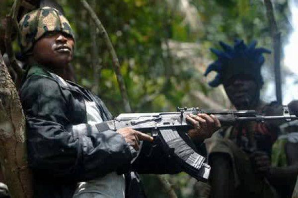 nigeria-homem armado