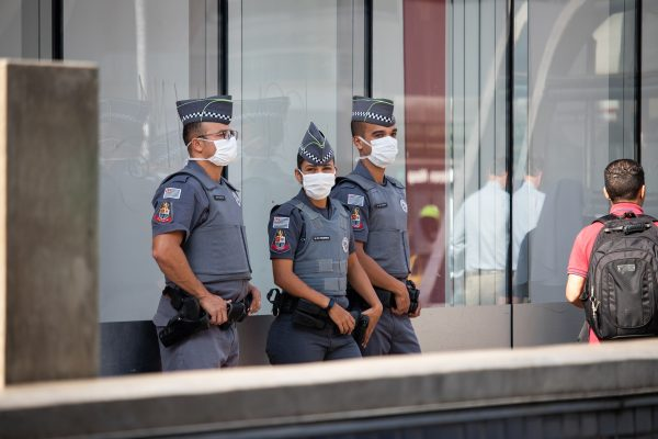 policia; brasil; covid
