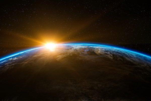 terra; sol; espaço